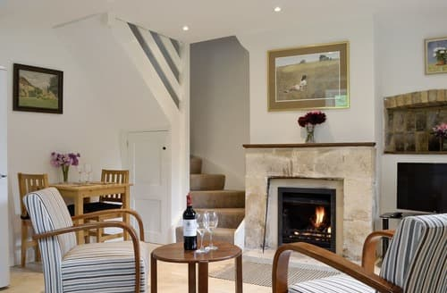 Last Minute Cottages - Excellent Cirencester Cottage S122733