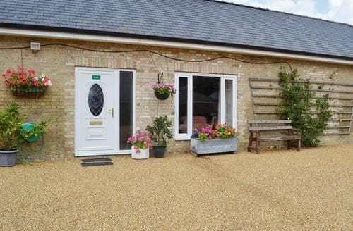 Last Minute Cottages - Kestrel