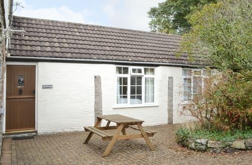 Last Minute Cottages - Charming Looe Cottage S21043