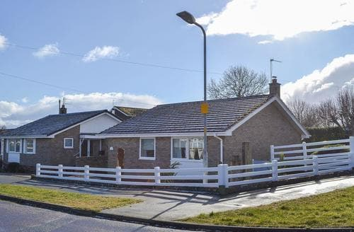 Last Minute Cottages - Inviting Beadnell Cottage S94786