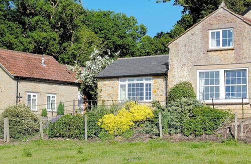 Last Minute Cottages - Luxury Sherborne Cottage S19855