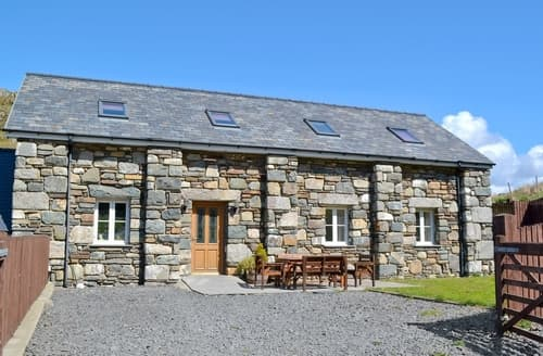Last Minute Cottages - Quaint Aberdovey Apartment S24661