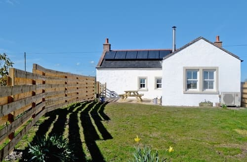 Last Minute Cottages - Cosy Dumfries Cottage S23636