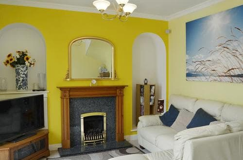 Last Minute Cottages - Quaint Shanklin Cottage S14333