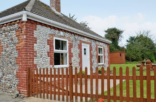 Last Minute Cottages - Excellent Great Yarmouth Cottage S17262