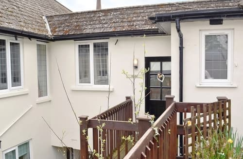 Last Minute Cottages - Attractive Lyme Regis Cottage S19795