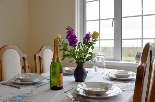 Last Minute Cottages - Adorable Preseli Hills Cottage S45330