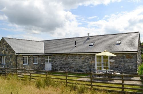 Last Minute Cottages - Luxury Betws Y Coed Cottage S22348