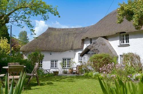 Last Minute Cottages - The Thatch Cottage