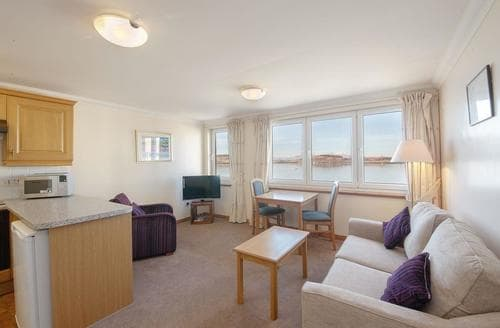 Last Minute Cottages - Wonderful Oban Apartment S23093