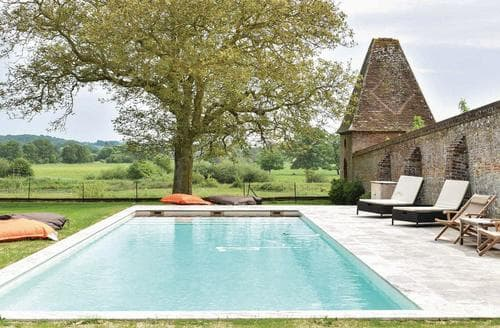 Last Minute Cottages - Le Manoir