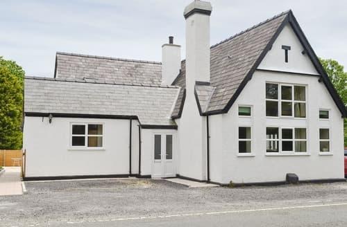 Last Minute Cottages - Adorable Caernarfon Cottage S37422