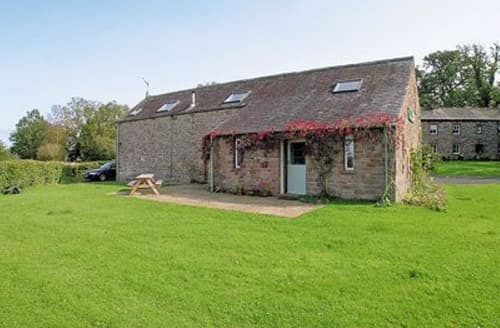 Last Minute Cottages - Haytongate Barn