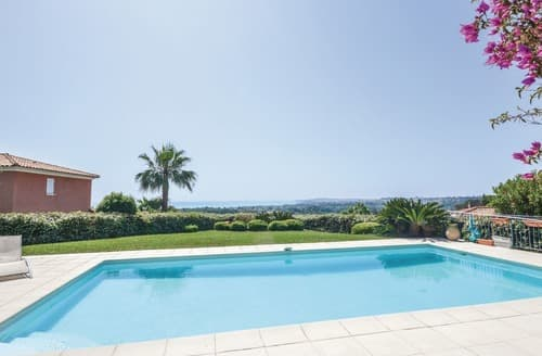 Last Minute Cottages - Vue de la Mer