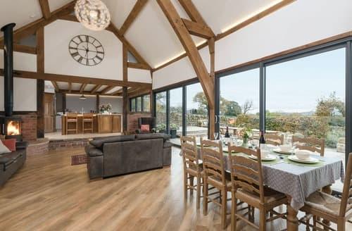 Last Minute Cottages - Ridge Barn