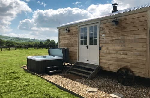 Last Minute Cottages - Shepherds Hut