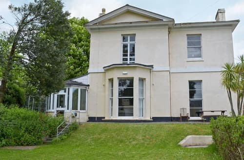 Big Cottages - Baytree House