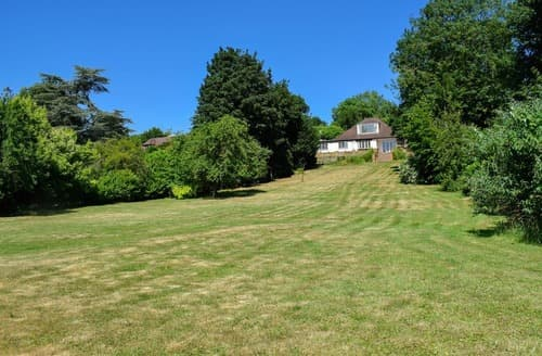 Last Minute Cottages - Attractive All Buckinghamshire Lodge S104236