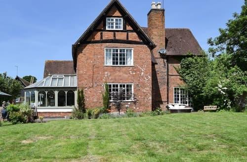 Last Minute Cottages - Quaint Alcester Cottage S102948