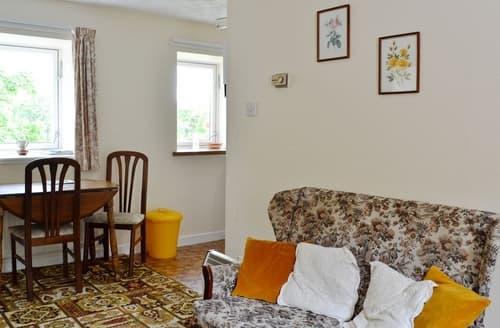 Last Minute Cottages - Cosy Skelmorlie Cottage S23518