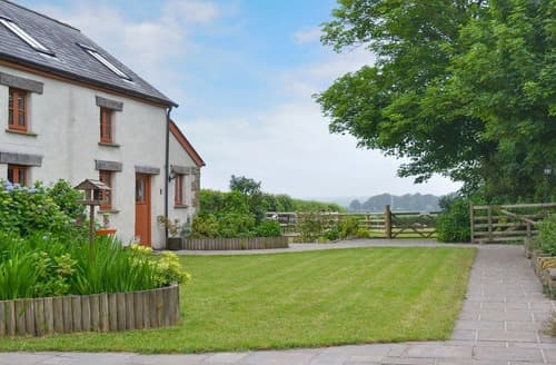 Last Minute Cottages - Beautiful Torrington Cottage S105094
