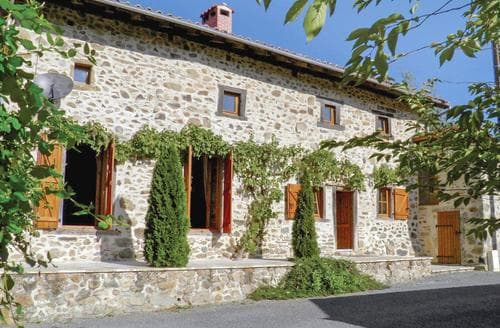 Last Minute Cottages - Maison Massignac