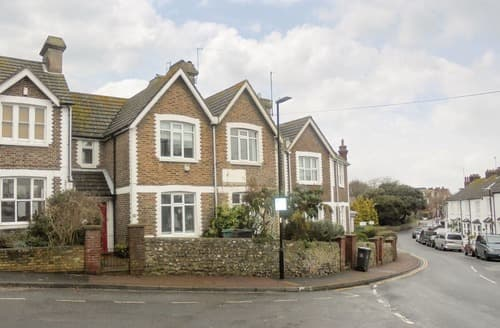 Last Minute Cottages - Charming Eastbourne Cottage S114425