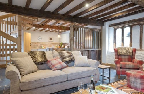 Last Minute Cottages - Cosy Exeter Cottage S105840