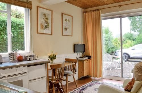 Last Minute Cottages - Delightful Abergavenny Apartment S21610