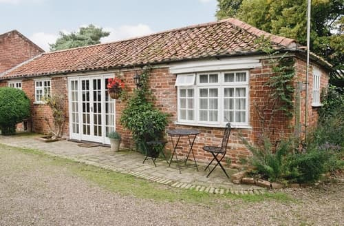 Last Minute Cottages - The Olde Stables
