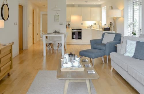Last Minute Cottages - Tasteful St Ives Apartment S125505