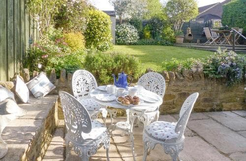 Last Minute Cottages - Eastnor Villa