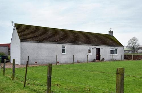Last Minute Cottages - Muir Cottage
