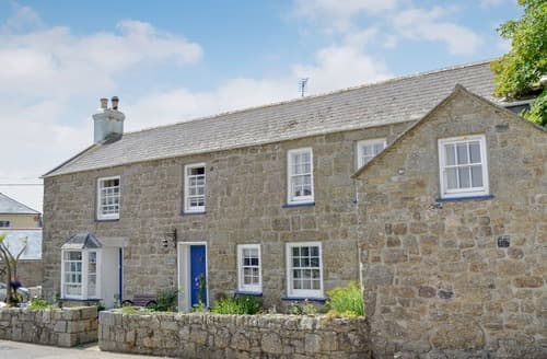 Last Minute Cottages - Superb Sennen Apartment S114223