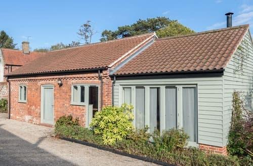 Last Minute Cottages - Tasteful Fakenham Cottage S125046