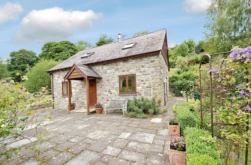 Last Minute Cottages - Excellent Bishops Castle Cottage S16717