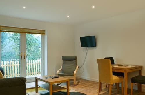 Dog Friendly Cottages - Exquisite All Surrey Cottage S121275
