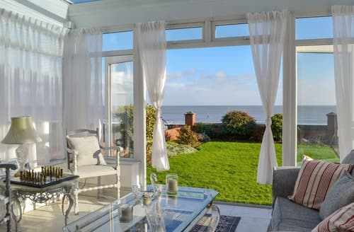 Last Minute Cottages - Luxury Bridlington Apartment S134178