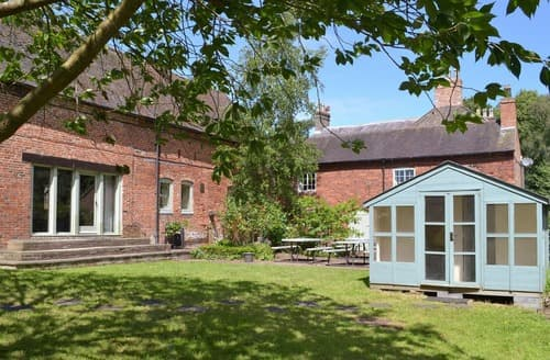 Last Minute Cottages - Excellent Derby Cottage S16558