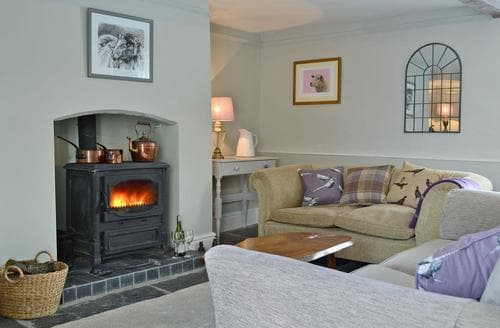 Last Minute Cottages - Inviting Presteigne Cottage S90631