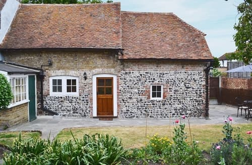 Last Minute Cottages - Wonderful Broadstairs Cottage S37524