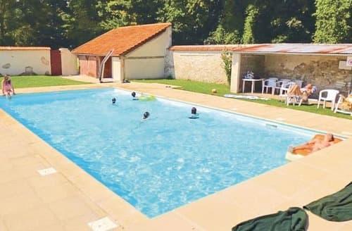 Last Minute Cottages - Excellent Meaux Apartment S121376