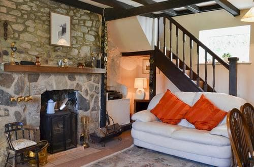 Last Minute Cottages - Wonderful Newtown Cottage S79044