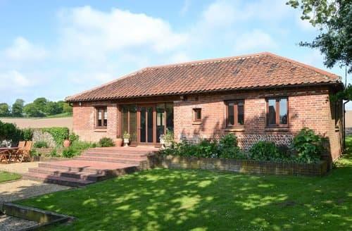 Last Minute Cottages - Elm Tree Barn