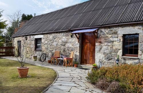 Last Minute Cottages - Heather Barn