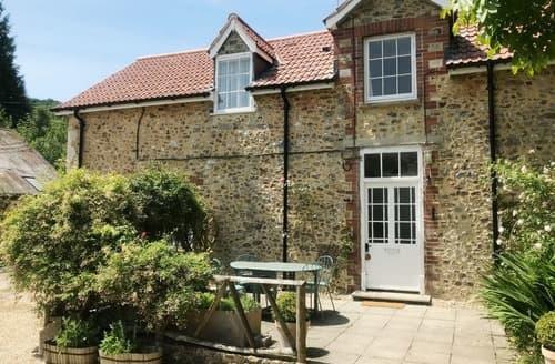 Last Minute Cottages - Attractive Seaton Cottage S18821