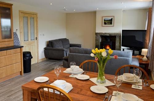 Dog Friendly Cottages - Splendid Buxton Cottage S79367