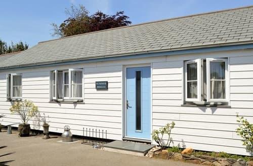 Last Minute Cottages - Summer Breeze