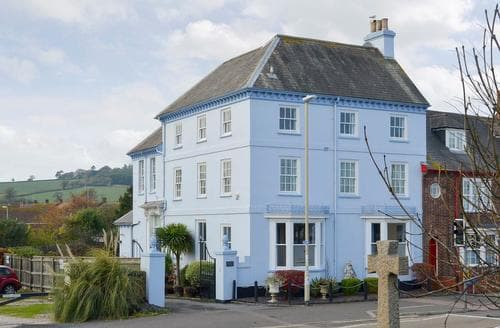 Last Minute Cottages - Excellent Dawlish Cottage S19301