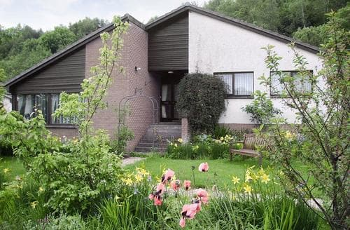 Last Minute Cottages - Loch Ard
